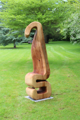 <h5>Twisted standing sculpture</h5>