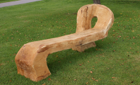 <h5>Wooden bench</h5>